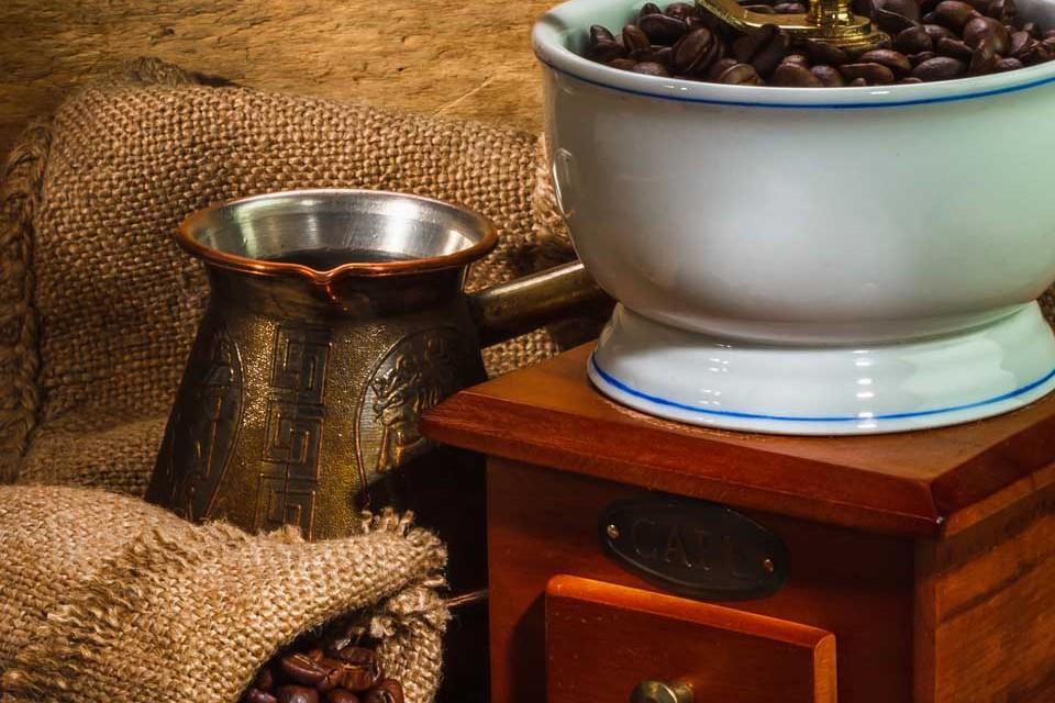 картинка как варить кофе в турке